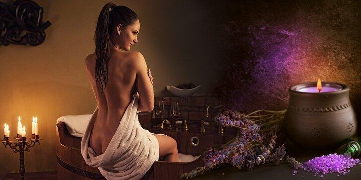 Relaxační rituál s vůní vína či levandule: Koupel, masáž i pohoštění pro 2