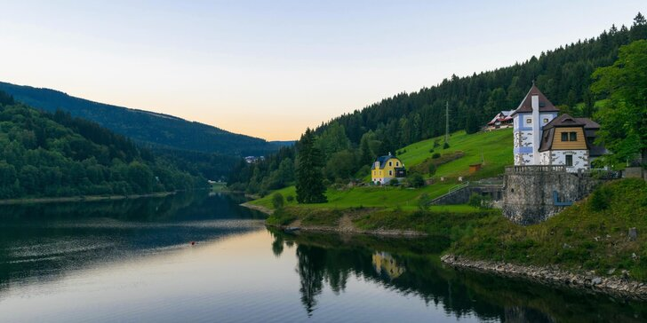 Chata Labská: horská pohoda pro dva přímo u vodní přehrady Labská ve Špindlu