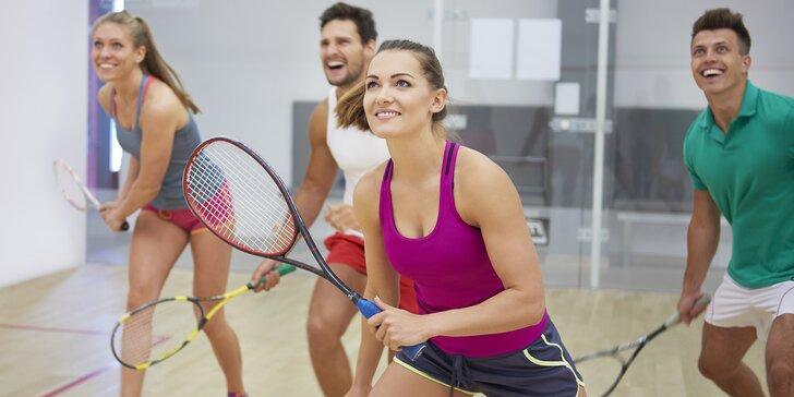 Hodina squashe s přáteli či s trenérem nebo permanentka až na 10 her
