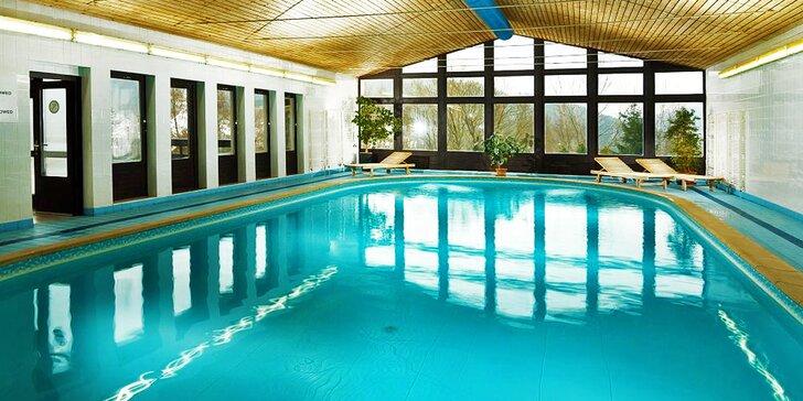 Krkonošská pohoda ve tříhvězdičkovém hotelu Astra s polopenzí pro 2 a bazénem