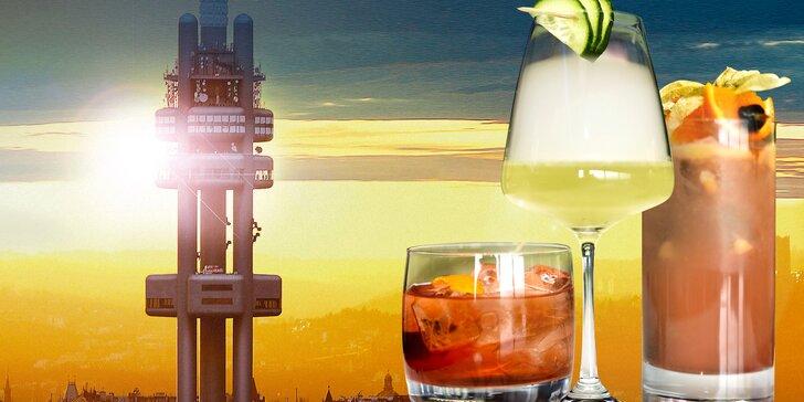 Vzhůru do oblak: originální koktejl na Žižkovské věži a vstup do observatoře