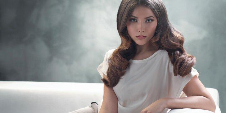 Kompletní dámský střih s melírem či barvou pro všechny délky vlasů