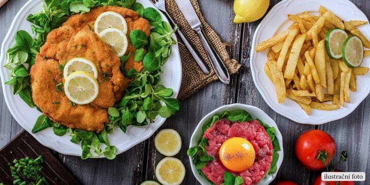 Masová hostina pro 4 osoby: Kilo řízků, tatarák a hranolky U Bizona