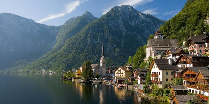 Malebný Hallstatt se solným dolem a projížďka lodí mezi horskými masivy Alp