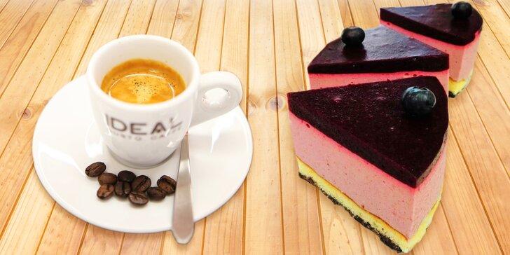Báječný bezlepkový zákusek a teplý nápoj v žižkovské kavárně White & Crispy