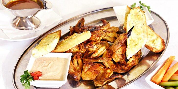 Křídla s pikantní omáčkou v restauraci u Národního divadla: 1, 2 nebo 4 kg