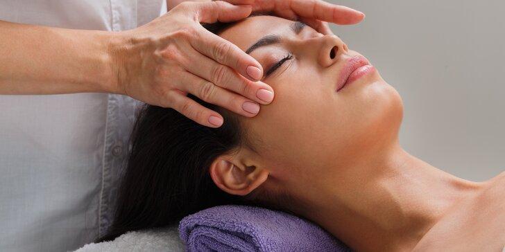 Zbavte se vrásek: Vyhlazující liftingová masáž obličeje