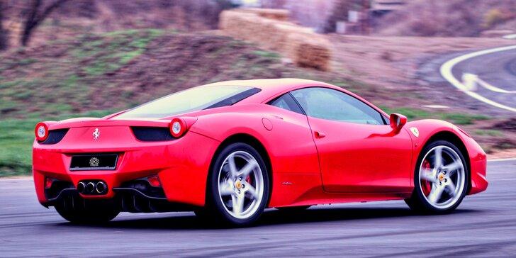 Řidičem či spolujezdcem v supersportu – vzrušující jízda v běžném provozu