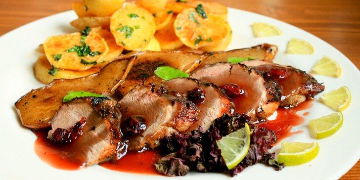 Tříchodové menu pro 2 gurmány: tatarák z lososa, kachní prsa a zmrzlina