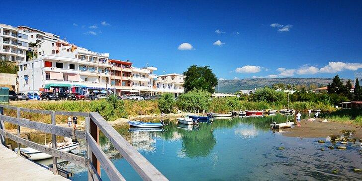 7 nocí v penzionu vzdáleném 150 m od písčité pláže se snídaní v Černé Hoře