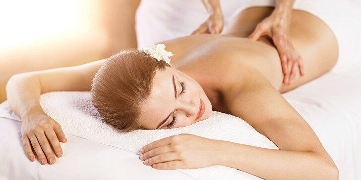 Hodinová masáž zad a šíje a případně následná relaxace v solné jeskyni