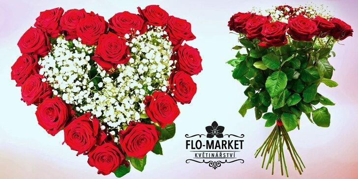 Kytice poskládané z rudých růží: dokonalý dárek ke Dni matek i k prvnímu máji