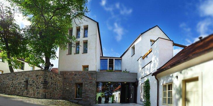 Kouzelný pobyt v Benešově s privátním wellness i návštěvou Jemniště a Konopiště
