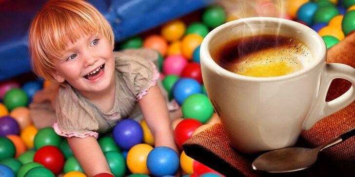 Celodenní vstup do herničky Lumpík pro 1 dítě a káva pro dospělý doprovod