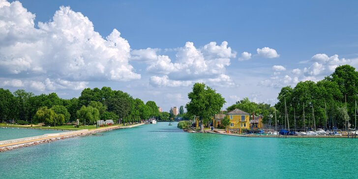 Pohodová dovolená na 4 či 7 nocí přímo u Balatonu s polopenzí a wellness
