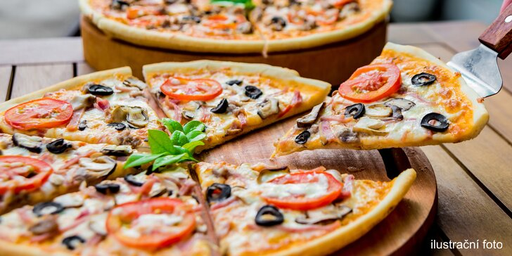 Chuť pravé Itálie: dvě pizzy s křehkým těstíčkem a čerstvými surovinami