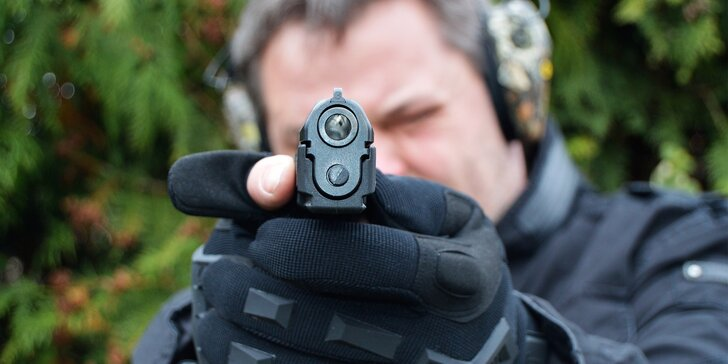 Otestujte svou mušku: akční zážitková střelba ze 6, 8 nebo 10 zbraní