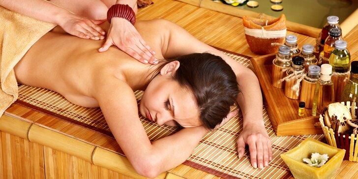 Hodinová masáž dle výběru: klasická, indická nebo třeba kokosová