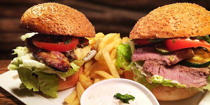 Pekelně dobrá hostina: dva 200gramové hovězí burgery a hranolky od Čerta