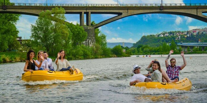 Užijte si sluníčko na Vltavě: Vyjížďka v motorovém člunu až pro 4 osoby