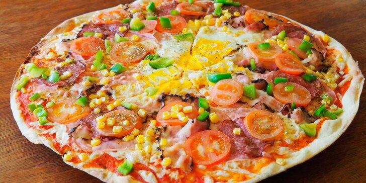 Bašta na hlad i k posezení s přáteli: 2 pizzy o průměru 40 cm dle výběru