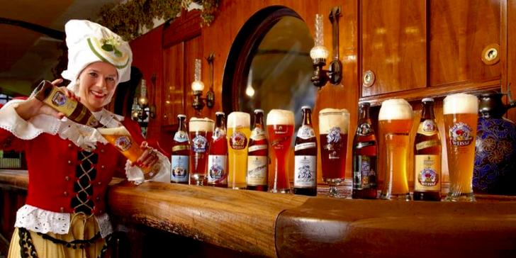 Historický Regensburg a pivovar s Hundertwasservou pivní veží v Abensbergu