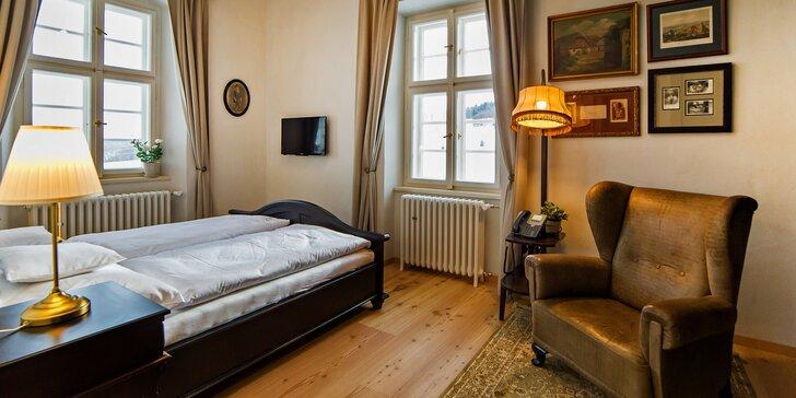Jako na šlechtickém sídle: nádherné apartmány na břehu Lipna pro 2 či 4 osoby