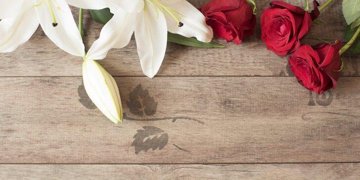 Kytice lilií či červených růží pro všechny lásky i učitelky