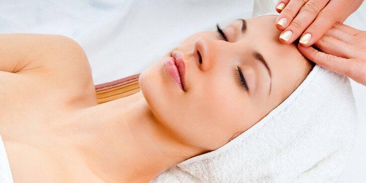 Kompletní kosmetické ošetření včetně masáže obličeje a dekoltu