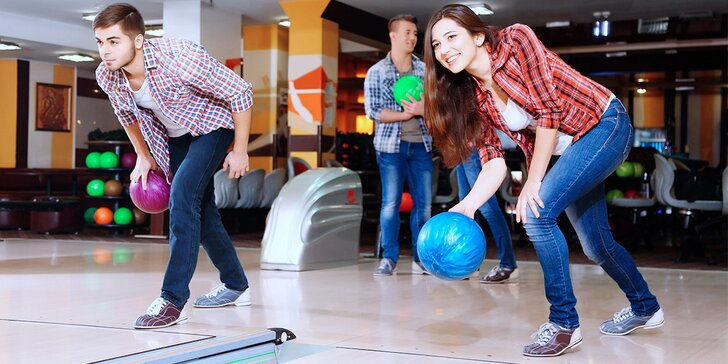 Roztočte skvělou zábavu: Hodina bowlingu až pro 8 hráčů
