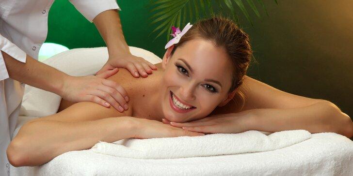 70 minut luxusu v Royal Jasmine Spa: Netradiční masáž a maska na obličej