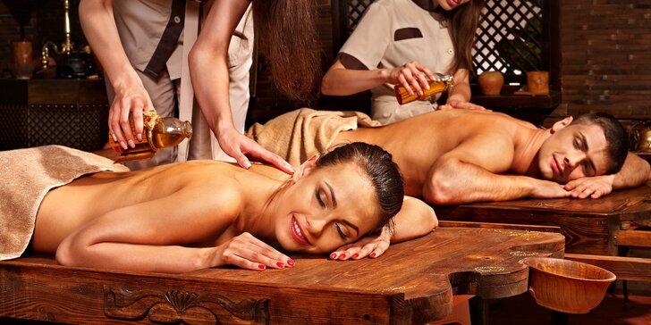 Hodinové hýčkání pro dva se sklenkou sektu - královská thajská masáž