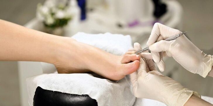 Profesionální medicinální pedikúra vč. antimykotického ošetření nohou