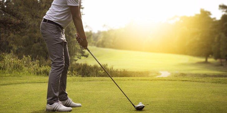 Tři golfové hole Dunlop, míčky a tee + 3 lekce s trenérem a 1x volné fee