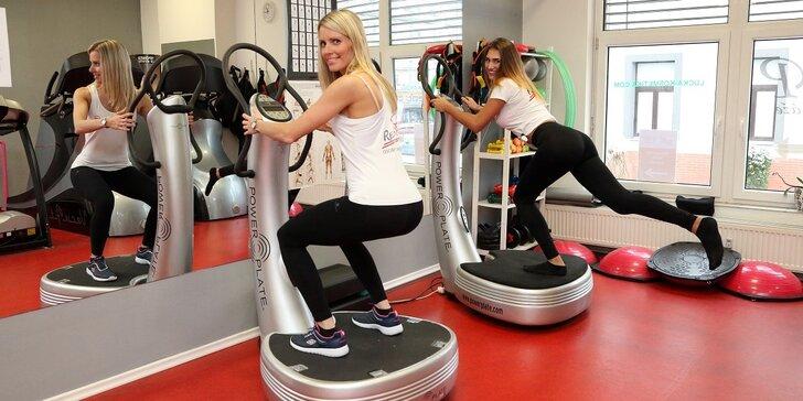 Zacvičte si v dámském fitku: 1, 3 nebo 5 cvičení na Power Plate s osobní trenérkou
