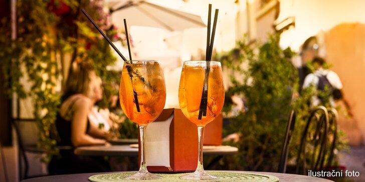 Ať má večírek grády: osvěžující drinky Aperol Spritz ve vršovickém music baru