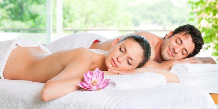 Hodina zaslouženého odpočinku: romantická párová masáž včetně aromaterapie