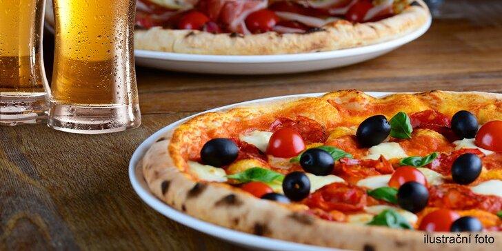 Nadlábněte se po italsku: 2 nebo 4 křupavé pizzy dle výběru a pití k tomu