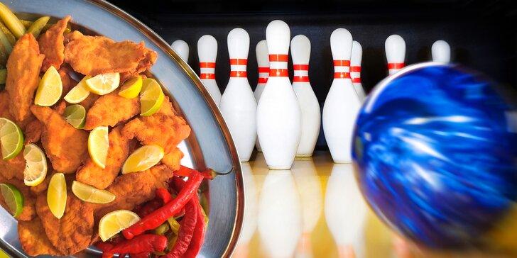2 hodiny bowlingu pro osm přátel a případně kilo řízečků pro lepší mušku