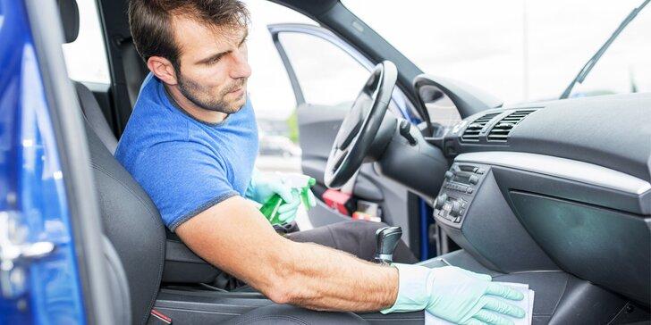 Deluxe čištění interiéru i plastů auta včetně tepování