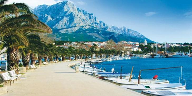 Červen v Chorvatsku na Makarské riviéře ve vile bez stravy či penzionu s polopenzí