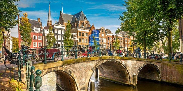 Amsterdam: Typické dřevěné domy, větrné mlýny, dílny na výrobu dřeváků a sýrů