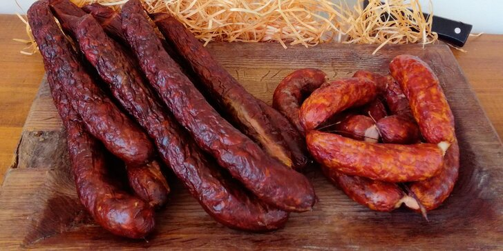 To je fakt maso: domácí špekáčky nebo farmářské klobásy z Poctivého uzenářství