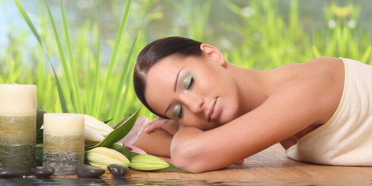 Kombinovaná masáž v Prostějově včetně nahřátí bylinkami