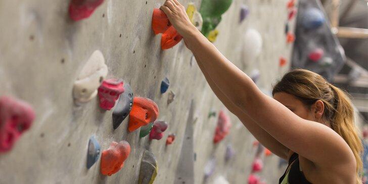 Lezecký kurz s profi instruktorem: Zdolejte stěnu nebo skálu v Moravském krasu