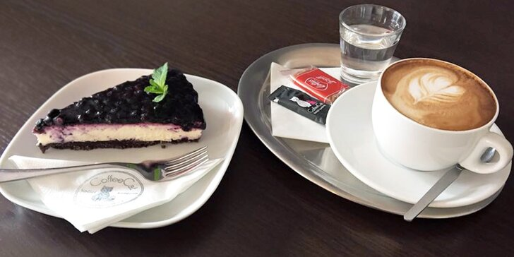 Kočičí kavárna: Káva nebo domácí limonáda a dezert v prima společnosti