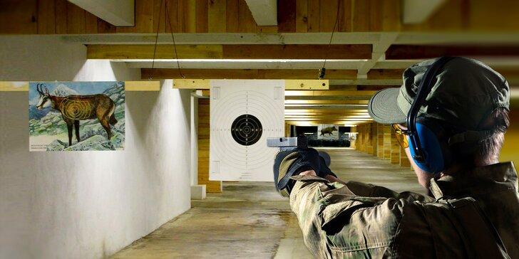 Zamiřte na střelnici: nabitý balíček se sedmi zbraněmi a 80 kusy munice