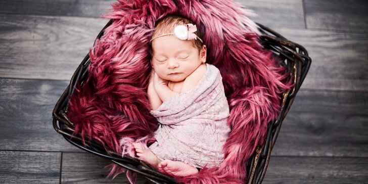 Ateliérové Newborn focení: Překrásné snímky vašich miminek