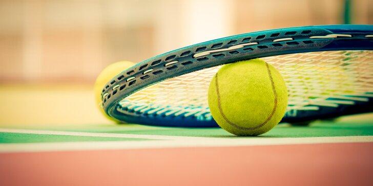 Víkendový pronájem tenisového kurtu v BB areně až pro 4 osoby