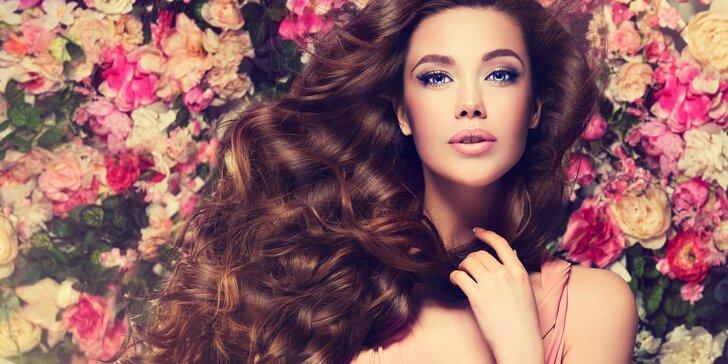 Střih, regenerace a barvení pro všechny délky vlasů